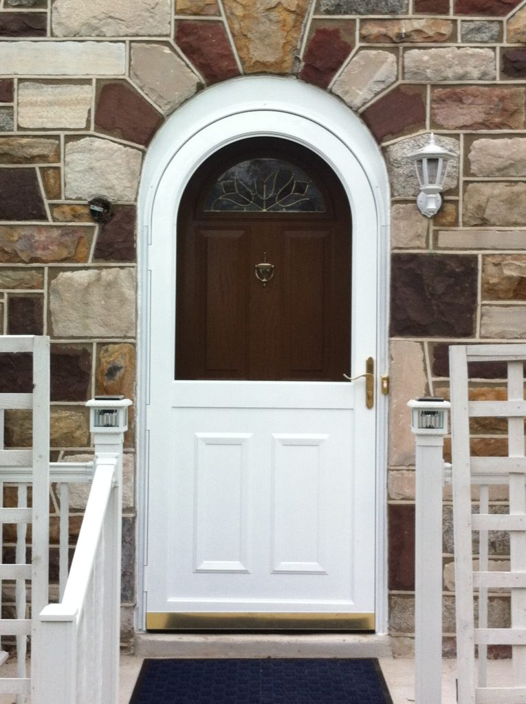 Entry round top door after